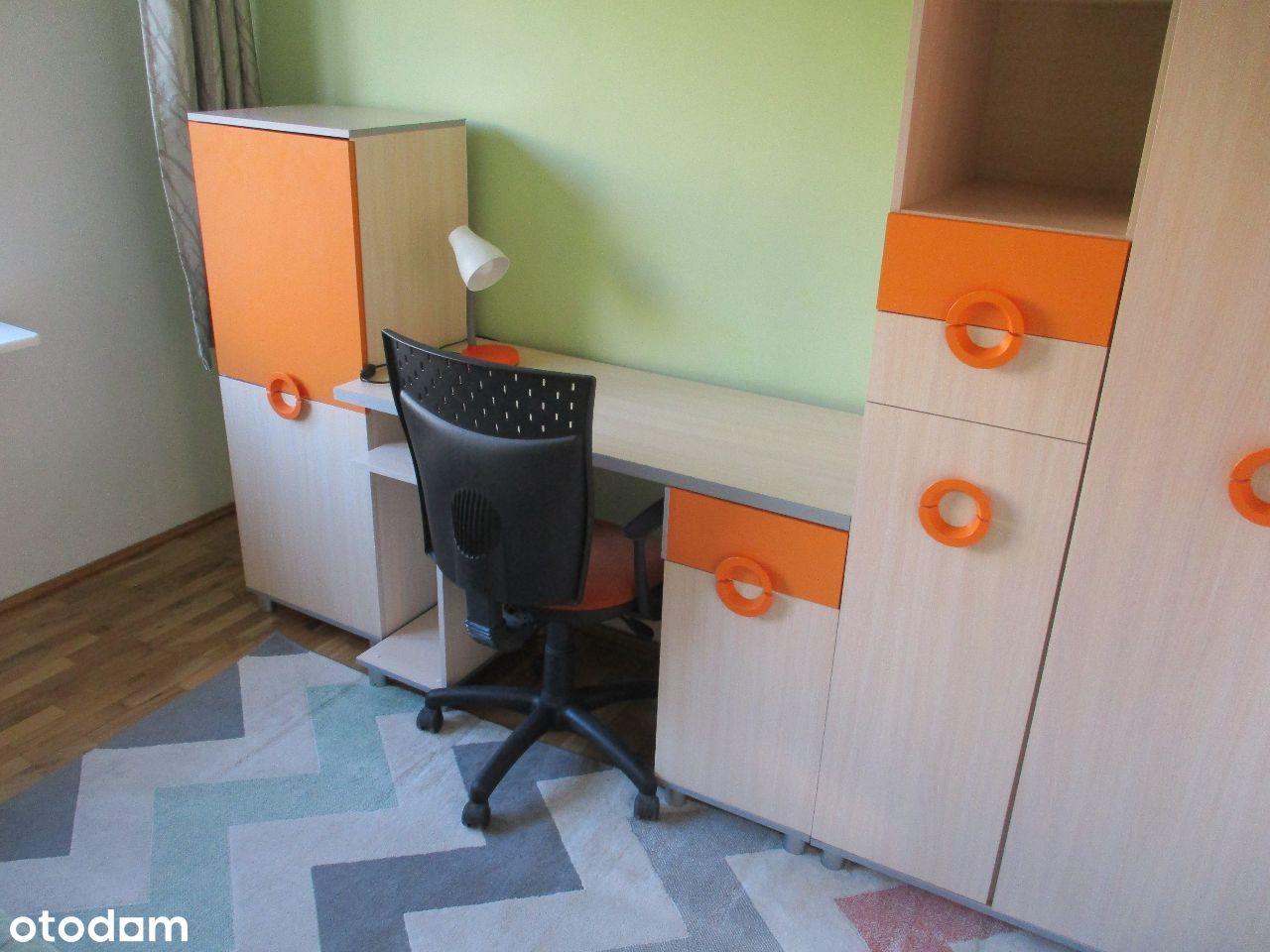 Kolorowy pokój jednoosobowy dla studentki