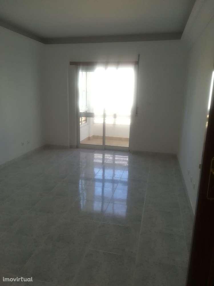 Apartamento para comprar, Charneca de Caparica e Sobreda, Almada, Setúbal - Foto 2