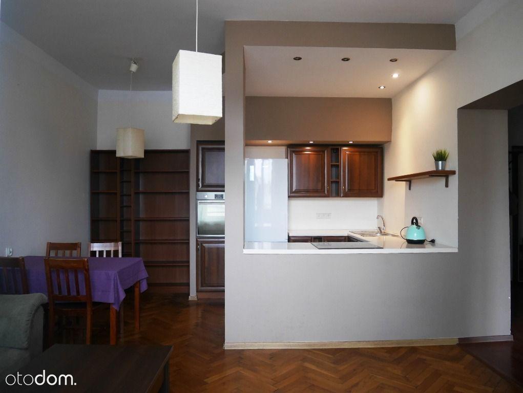 2 pokoje ,umeblowane,ścisłe Centrum, media w ceni