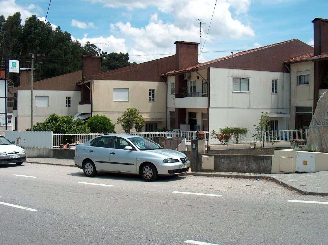 Loja para comprar, Caldas de São Jorge e Pigeiros, Santa Maria da Feira, Aveiro - Foto 1