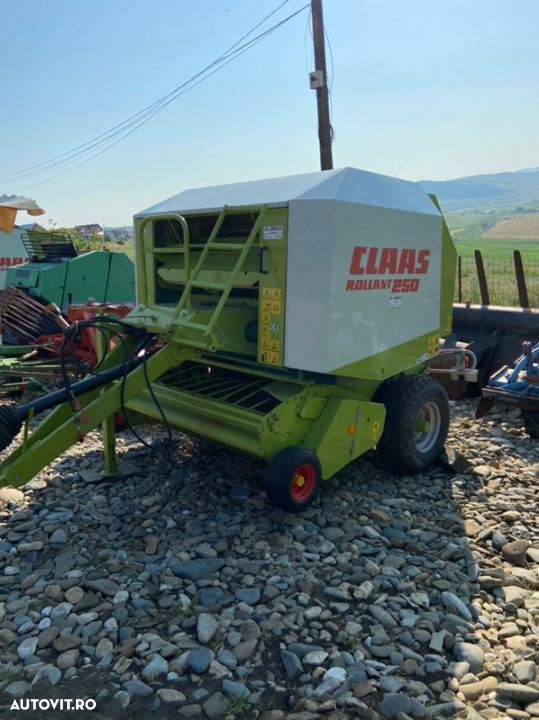 Claas Rollant 250 - 3