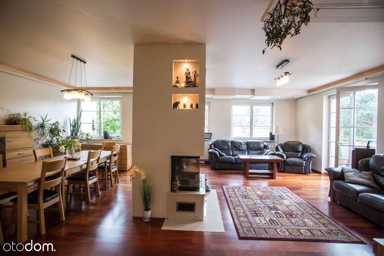 Sprzedam mieszkanie 200m z dostępem do 100m dachu