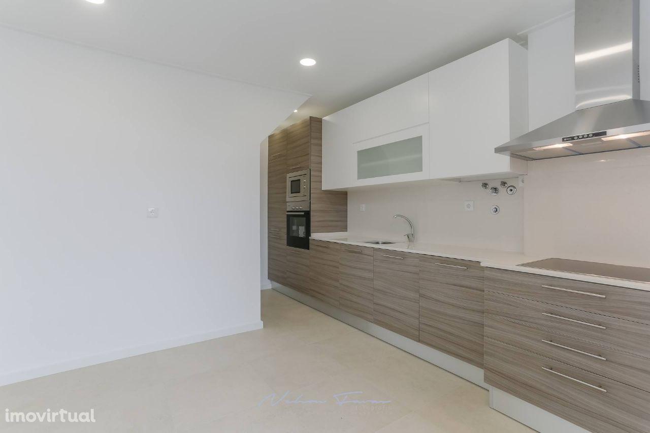 Barreiro Centro - Moradia T2 + 1 Duplex - Remodelado - c/Terraço