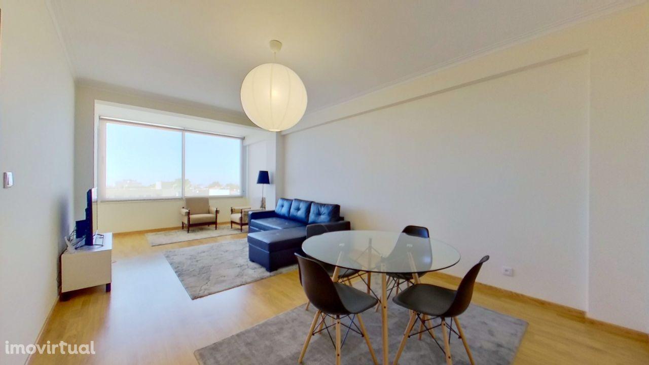 Apartamento T2+1, com garagem e arrumos, em Santo Ovídio