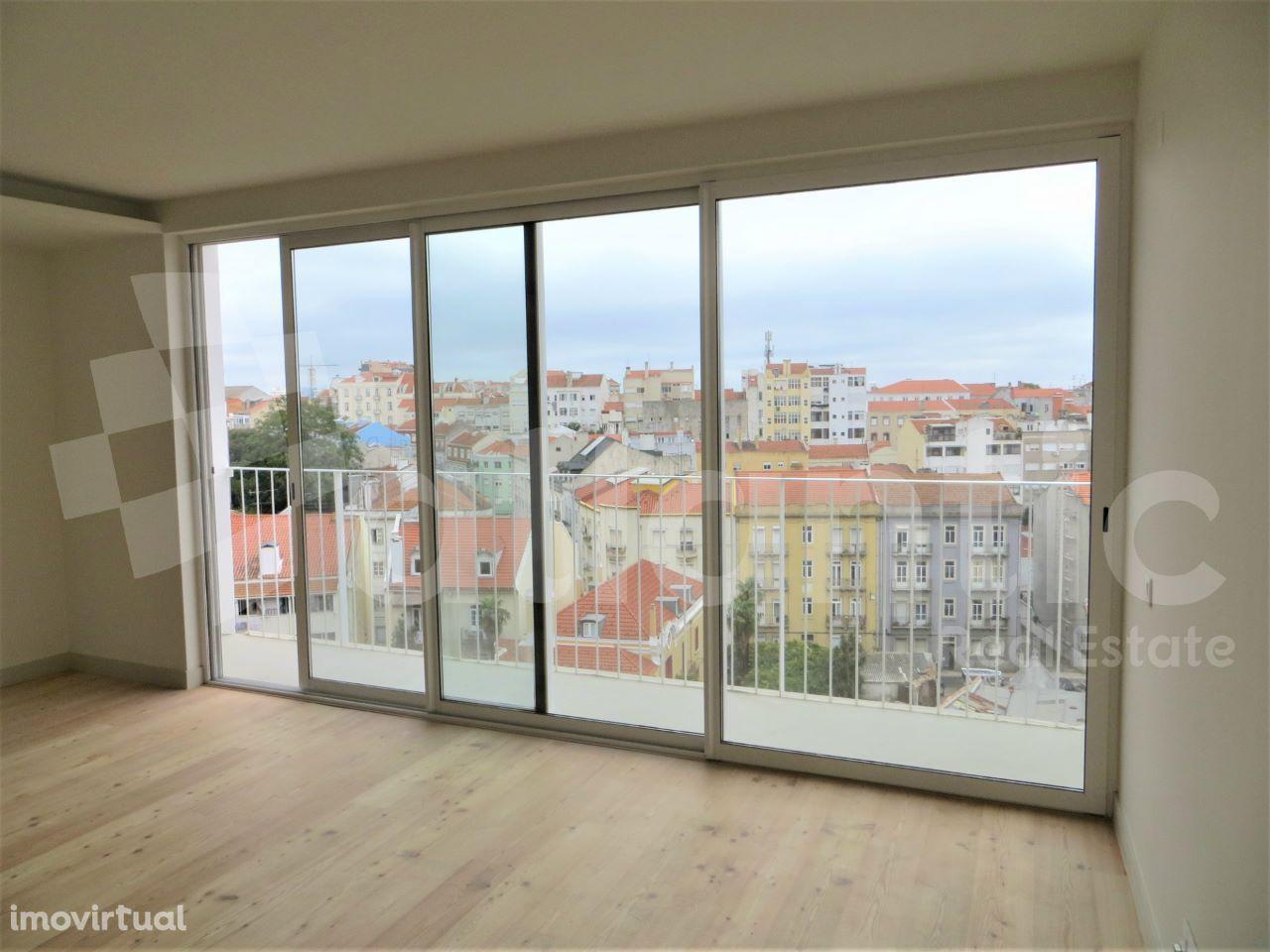 Apartamento T2 novo com suite e vista rio