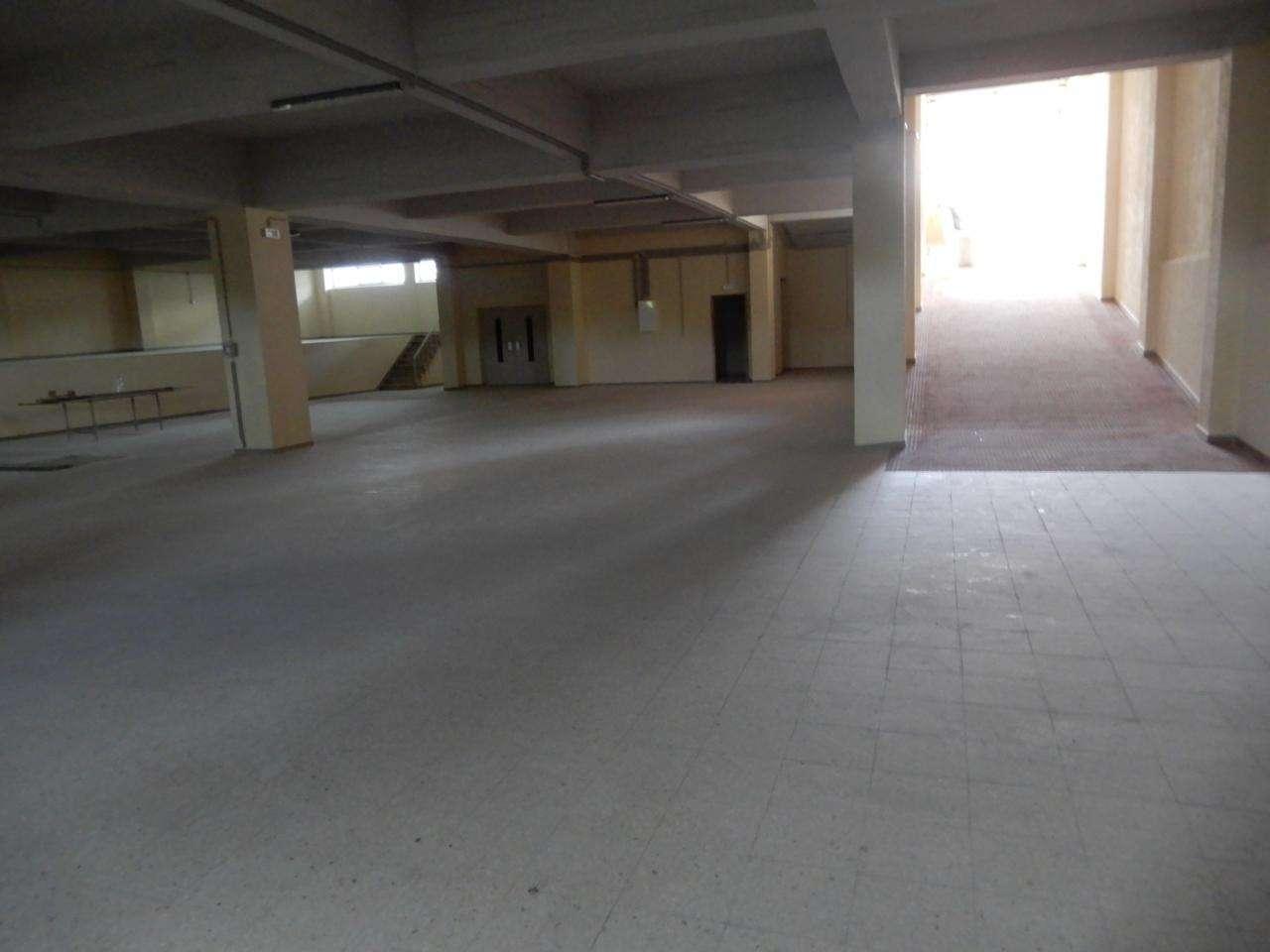 Armazém para arrendar, Santa Iria de Azoia, São João da Talha e Bobadela, Lisboa - Foto 1