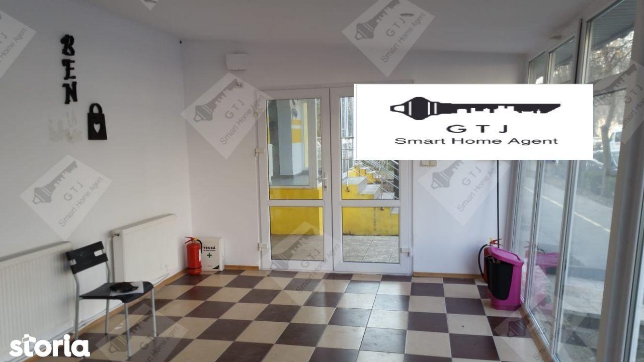 Apartament 3 camere -Spatiu Comercial Focsani