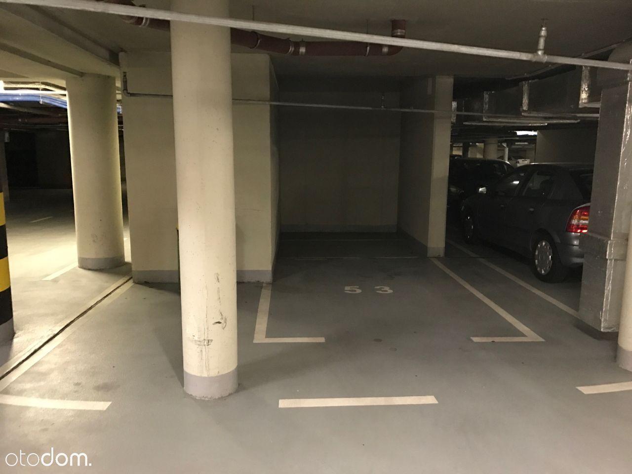 Parking, garaż ul.Komisji Edukacji Narodowej 26