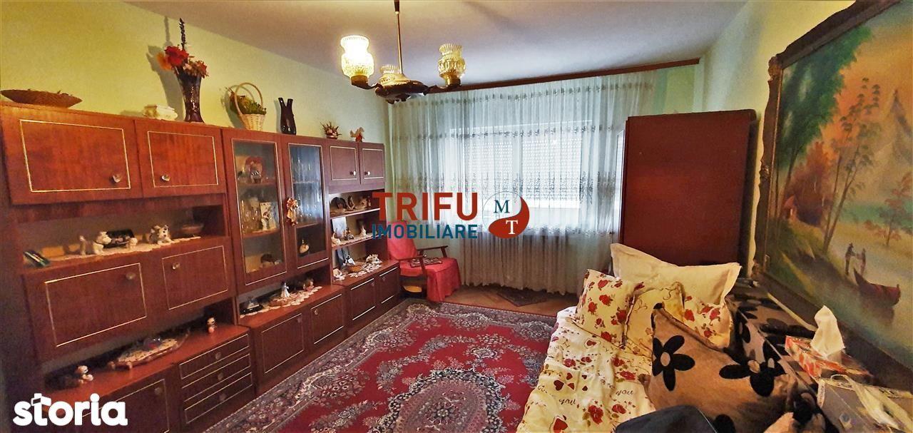 Apartament 2 camere, decomandat, zona Tolstoi