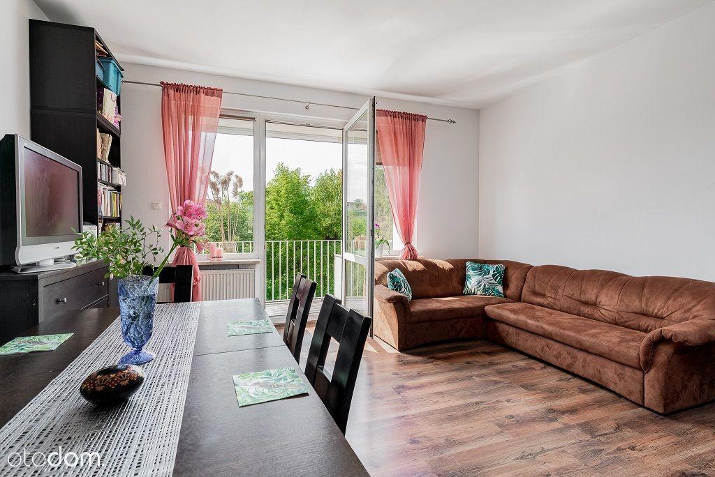 Łazarz - przestronne mieszkanie, balkon, 2 pokoje