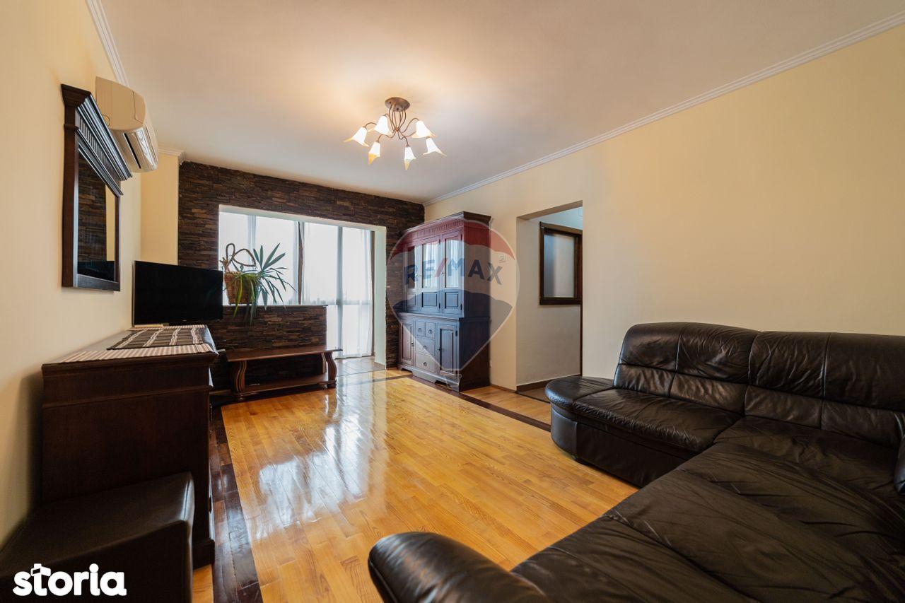 Apartament cu 4 camere de vânzare în zona P-ta Spitalului