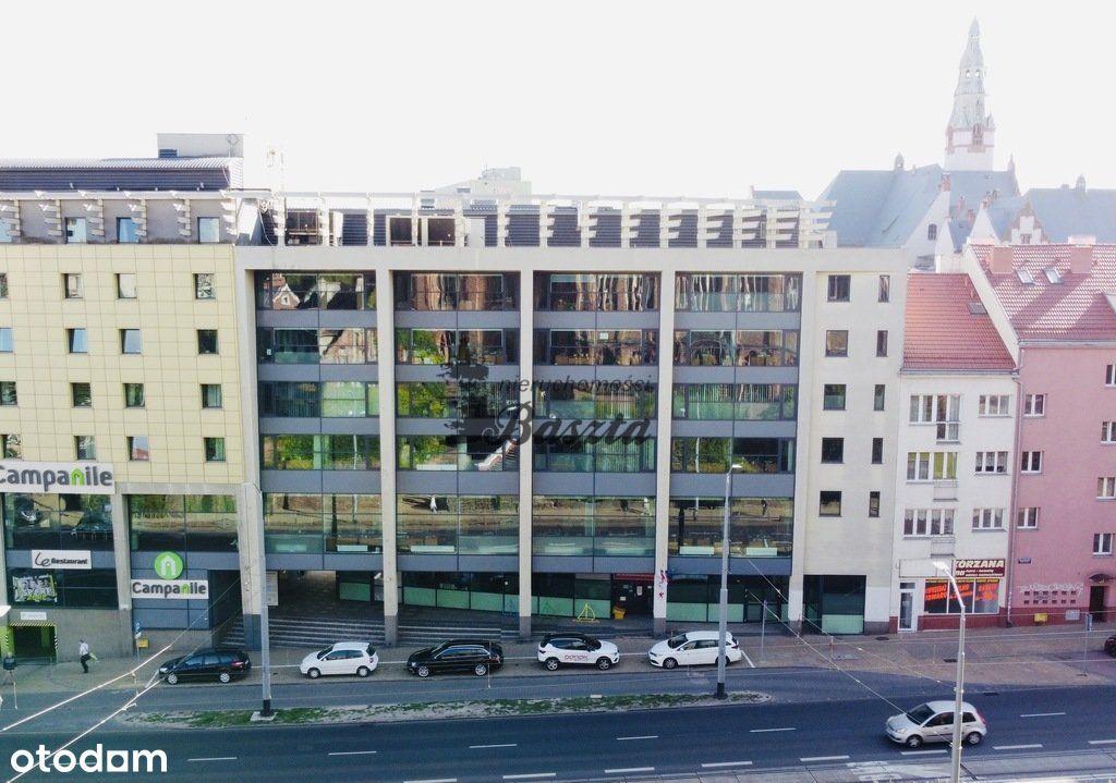 Budynek biurowy w centrum | winda | parking