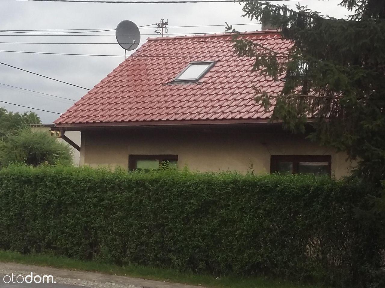 Parterowy dom z garażem i ogrodem, do zamieszkania