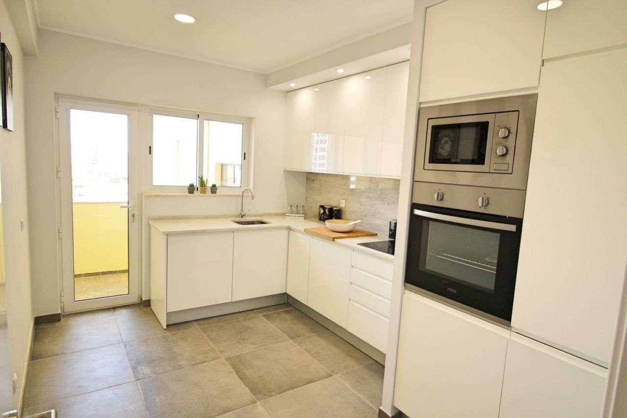 Apartamento para comprar, Avenida Tomás Cabreira - Praia da Rocha, Portimão - Foto 13