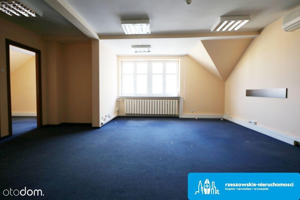 Lokale biurowe 180 m2 w centrum Rzeszowa.