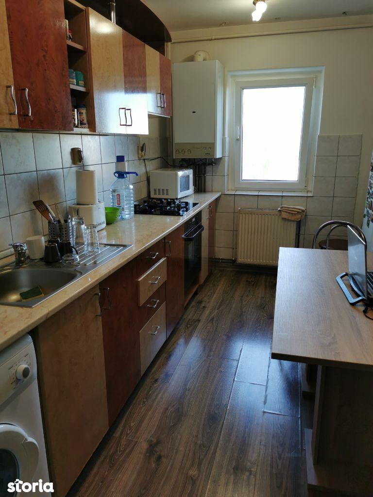 Ocazie! Apartament 3 camere zona Tractorul - Cerna
