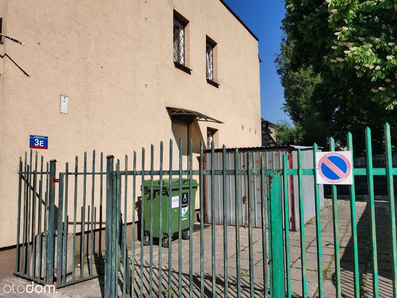 43m2 Piwnica+Parter ul. Nieszawska Media w czynszu