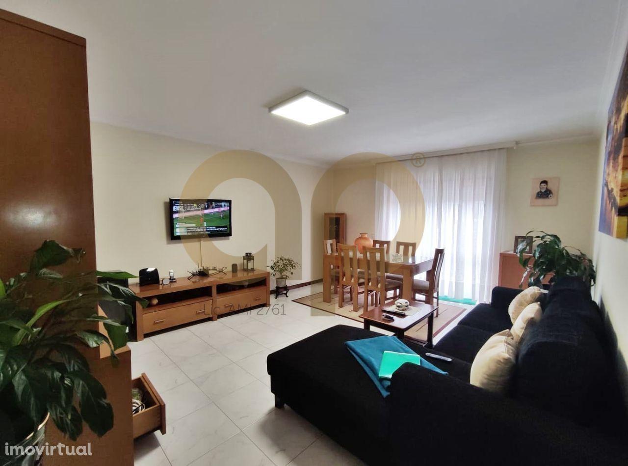 Apartamento T3 Rua Martim Moniz