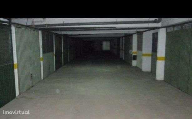 Garagem para comprar, Santo António da Charneca, Barreiro, Setúbal - Foto 3