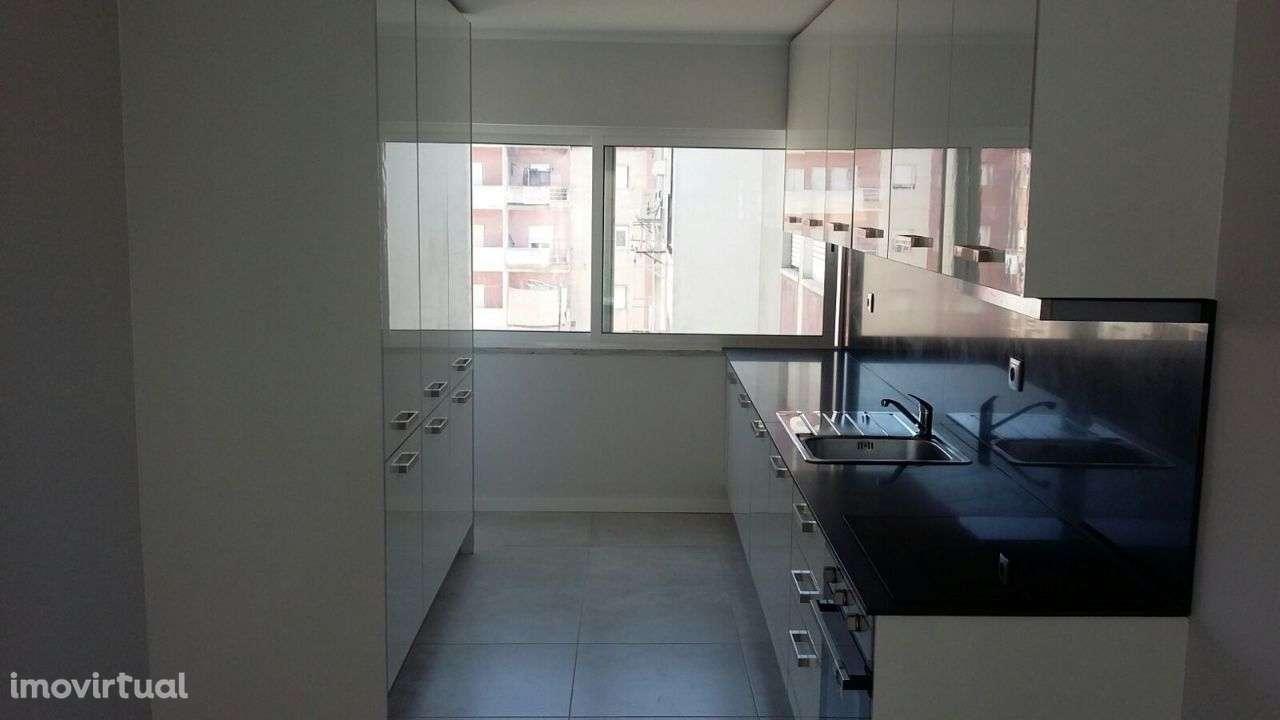 Apartamento para comprar, Rua José Elias Garcia, Barreiro e Lavradio - Foto 7