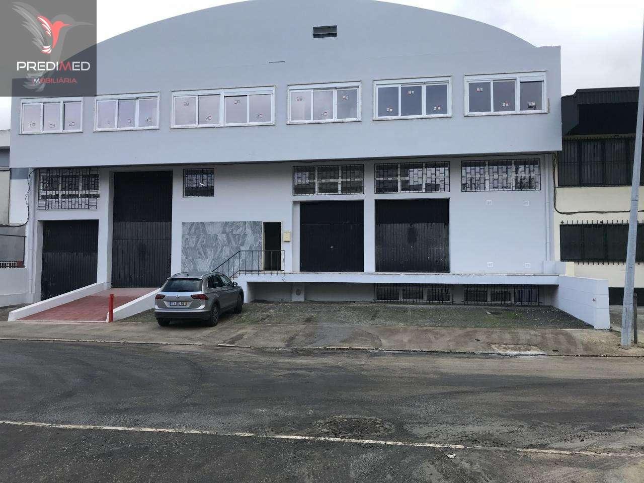 Armazém para arrendar, Rua Alto de São Lourenço - Bairro Alto de São Lourenço, Santa Iria de Azoia, São João da Talha e Bobadela - Foto 1
