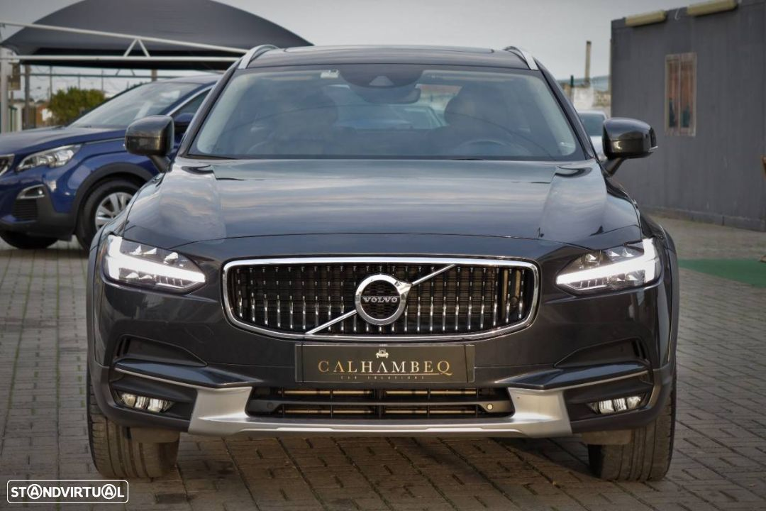Volvo V90 Cross Country 2.0 D4 Pro AWD Geartronic - 2