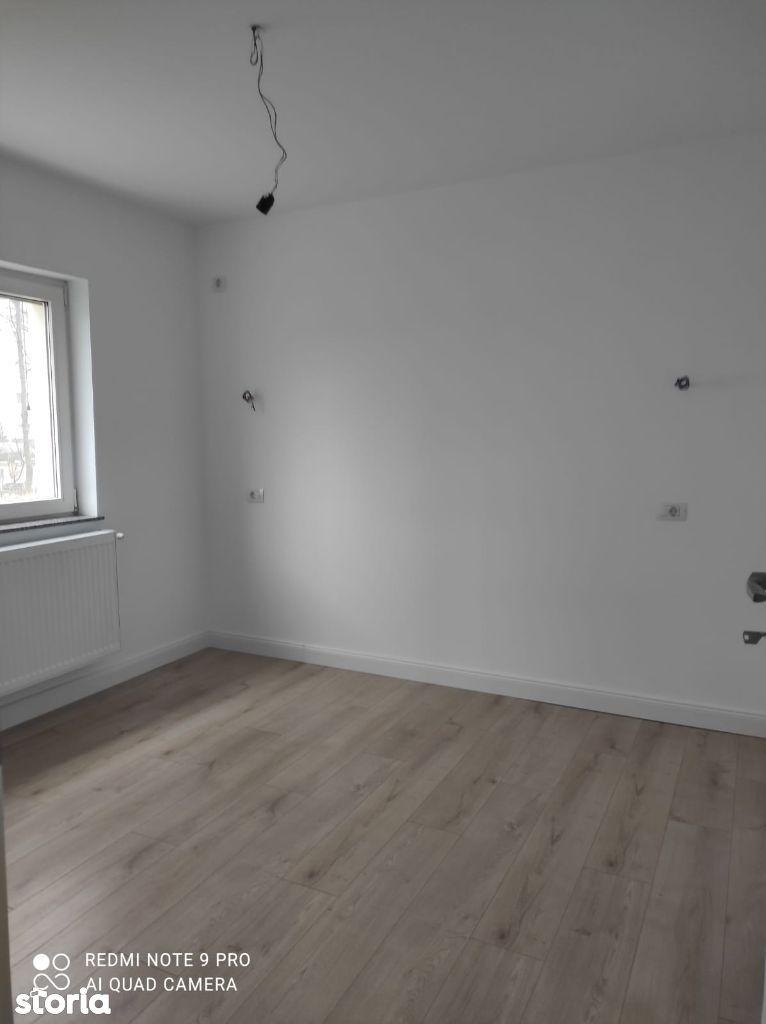 Apartament 3 camere decomandat, zona Dacia, renovat, nemobilat