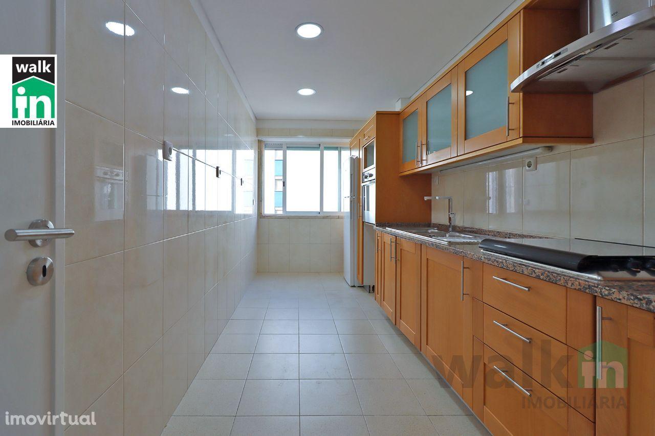 Apartamento T2 Remodelado no Estoril
