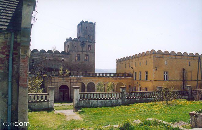 Średniowieczny Zamek Rycerski. Ratno Dolne