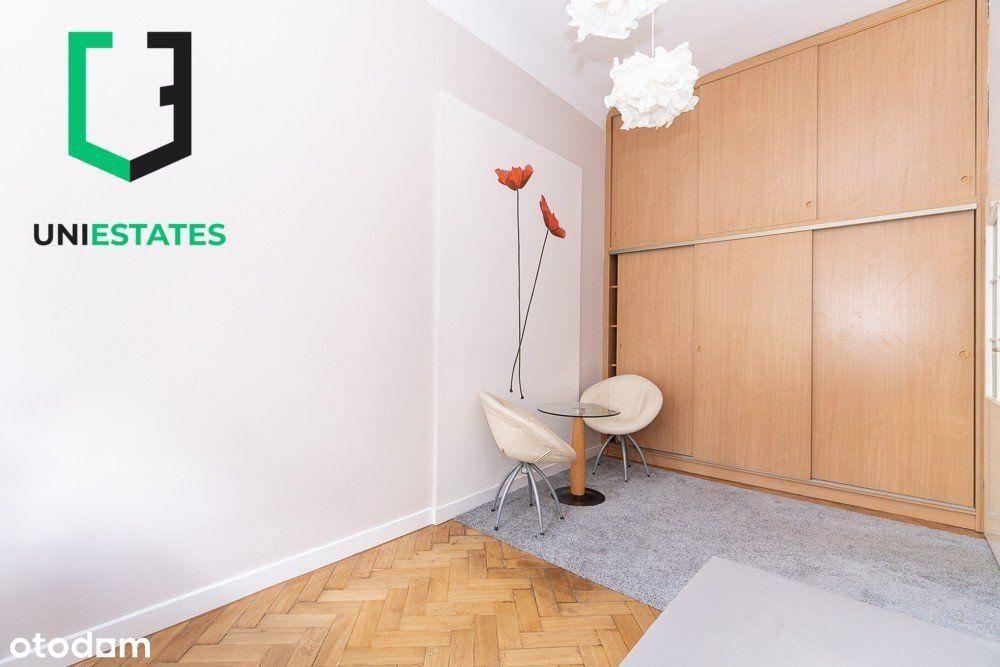 Mieszkanie w centrum miasta | Teatr Bagatela