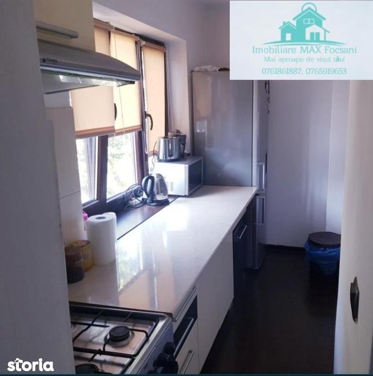 Apartament 2 camere, et.3/4, 54 mp utili, renovat, AC, CT, ultracentra
