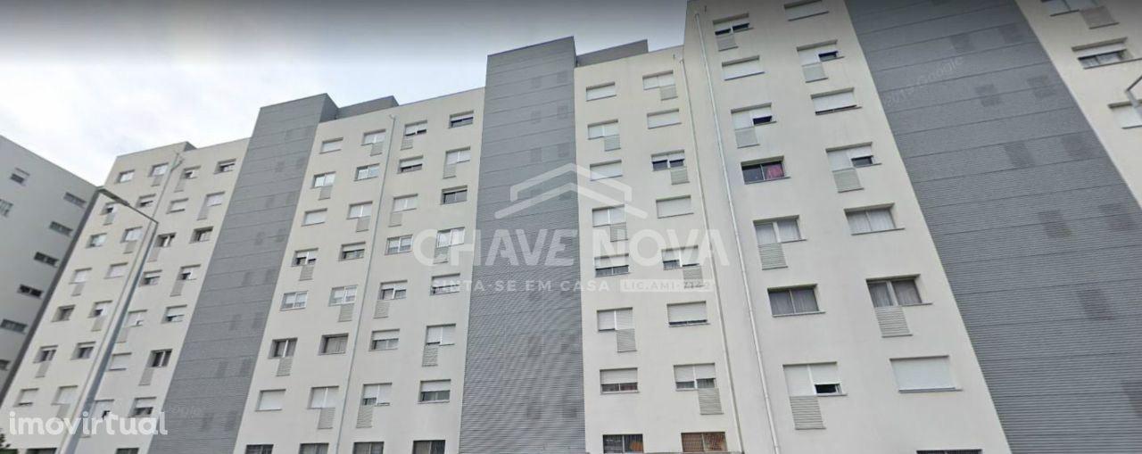 T3 Vilar de Andorinho (Vila D'Este) próximo da Piscina Municipal