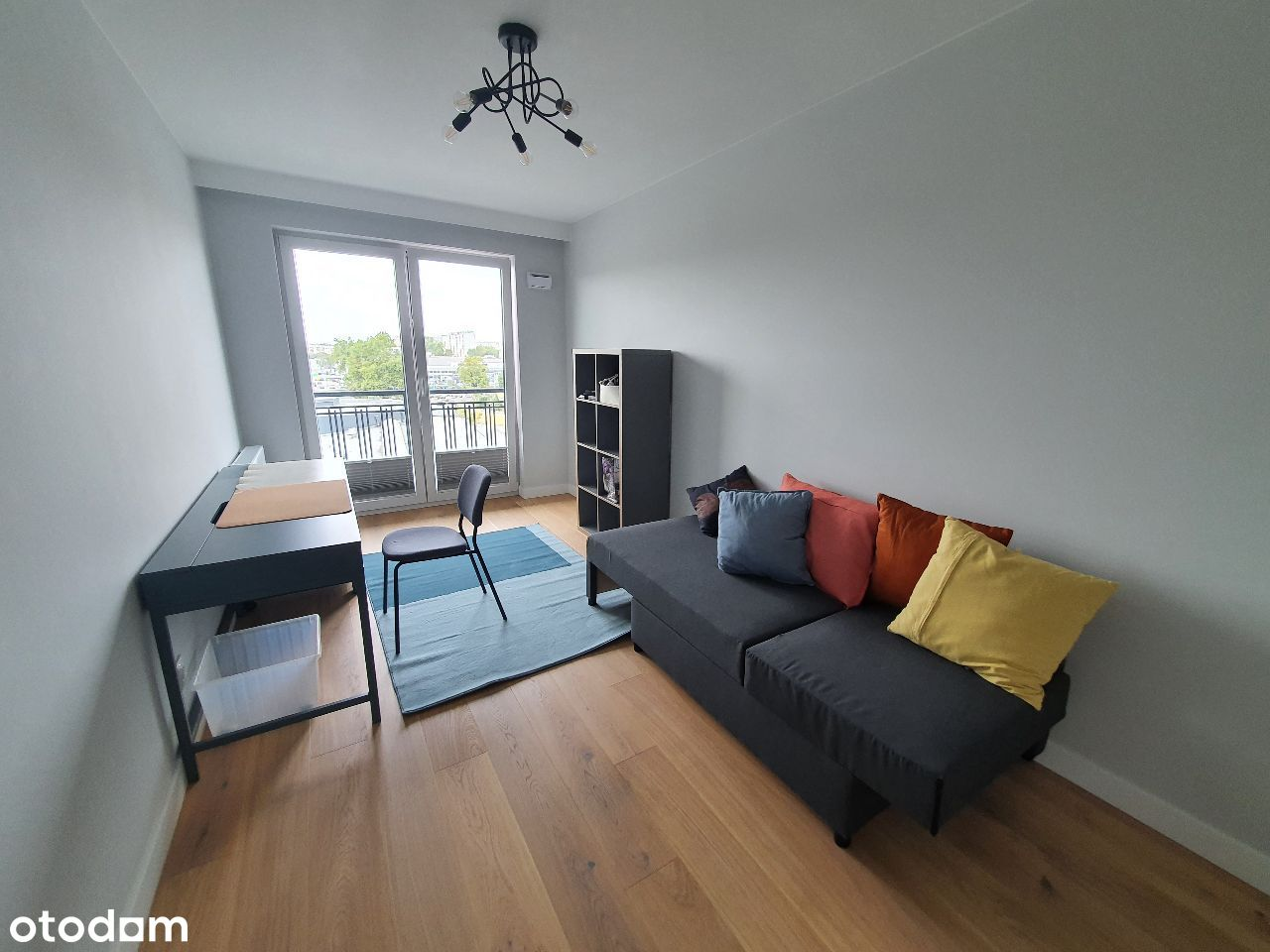 Pokój z balkonem dla studenta