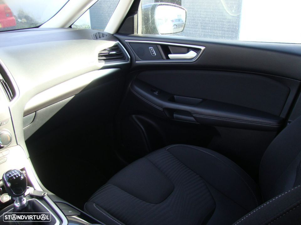 Ford S-Max 2.0 TDCi Trend - 27