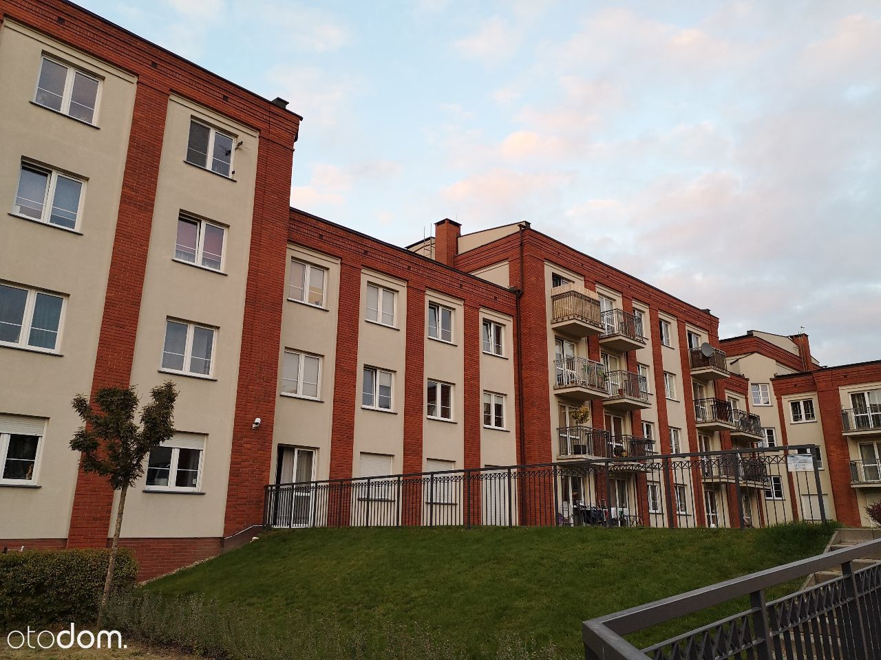 Mieszkanie 50m2 (2 pok. + kuchnia)