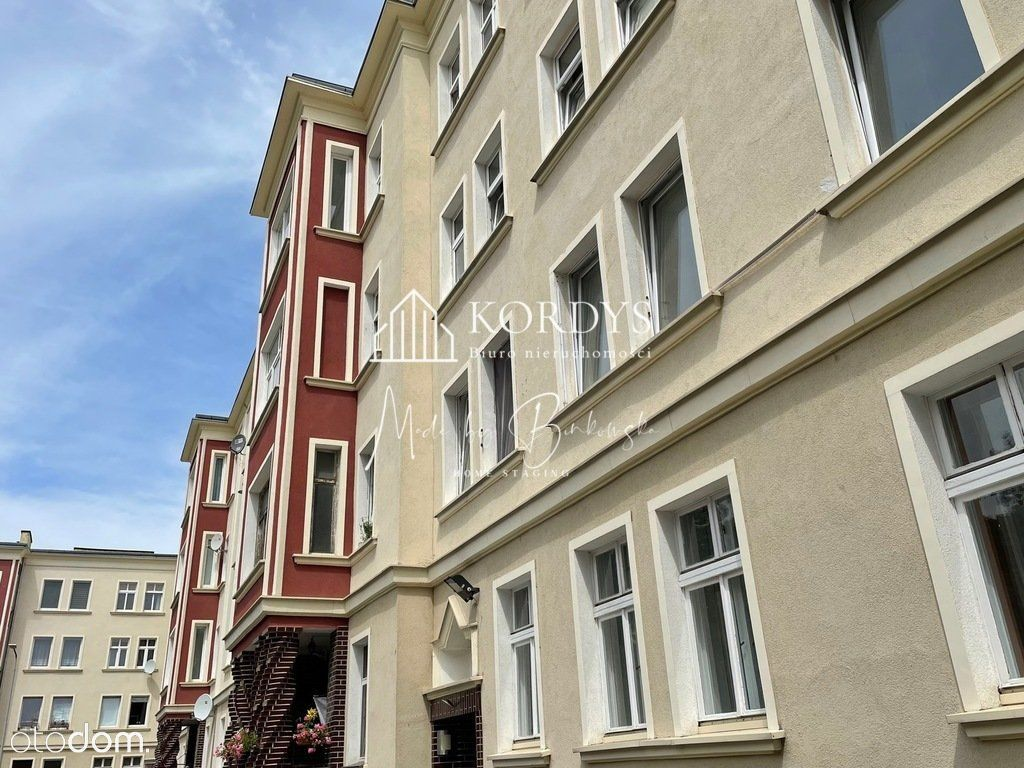 Mieszkanie do remontu w okolicy Teatru Polskiego