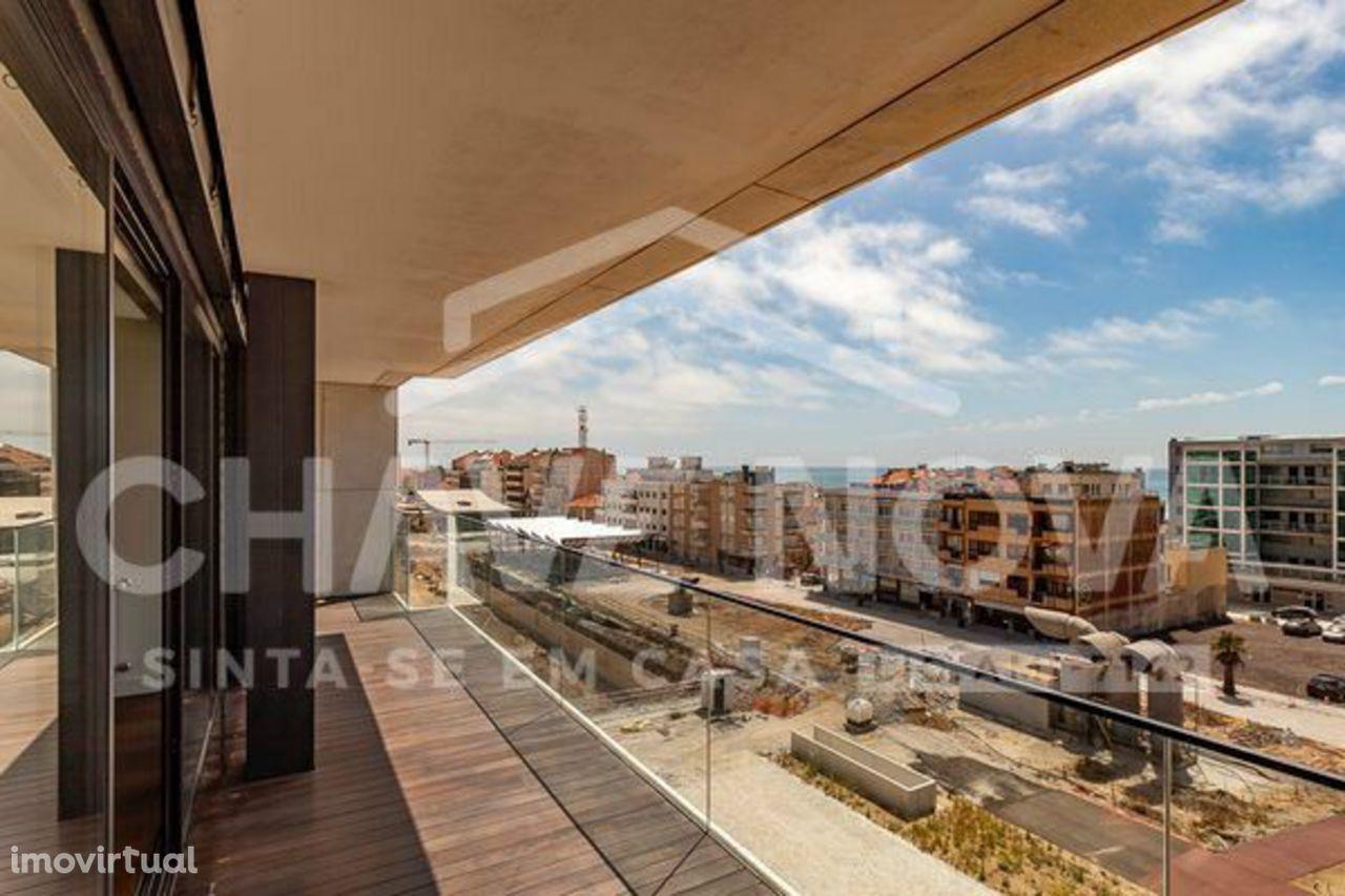 Apartamento T-4 de Luxo no Centro de Espinho a 100m do Casino