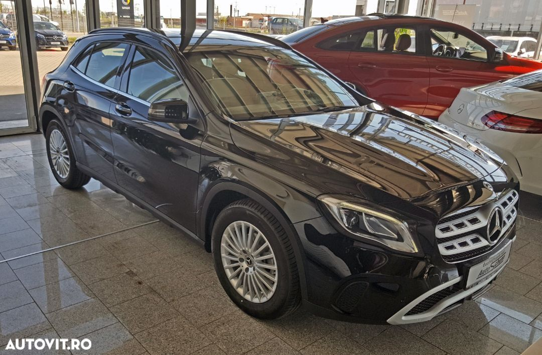 Mercedes-Benz GLA 180 - 3