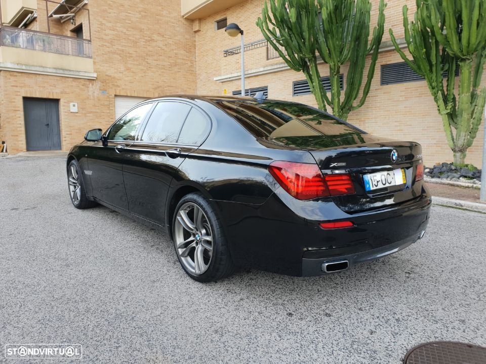 BMW 750 d xdrive PACK M - 31