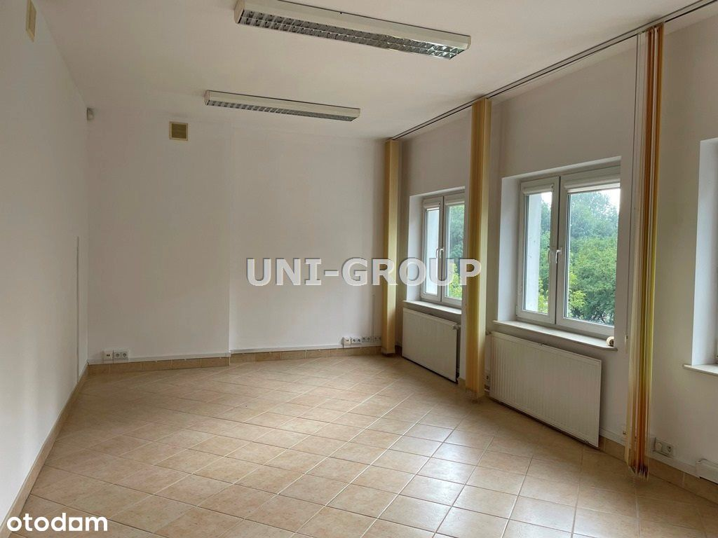 Biuro o pow. 25 m2 - cicho, zieleń za oknami