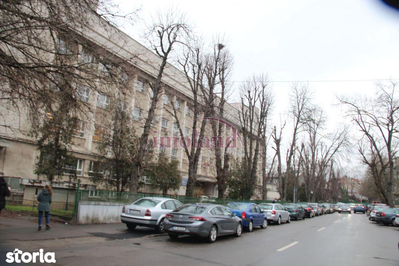 Vanzare - Teren - Cotroceni - Universitatea de Medicina