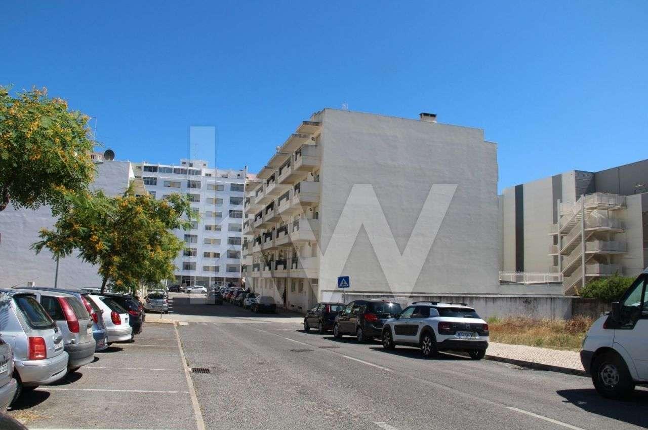 Garagem para comprar, Quelfes, Faro - Foto 1