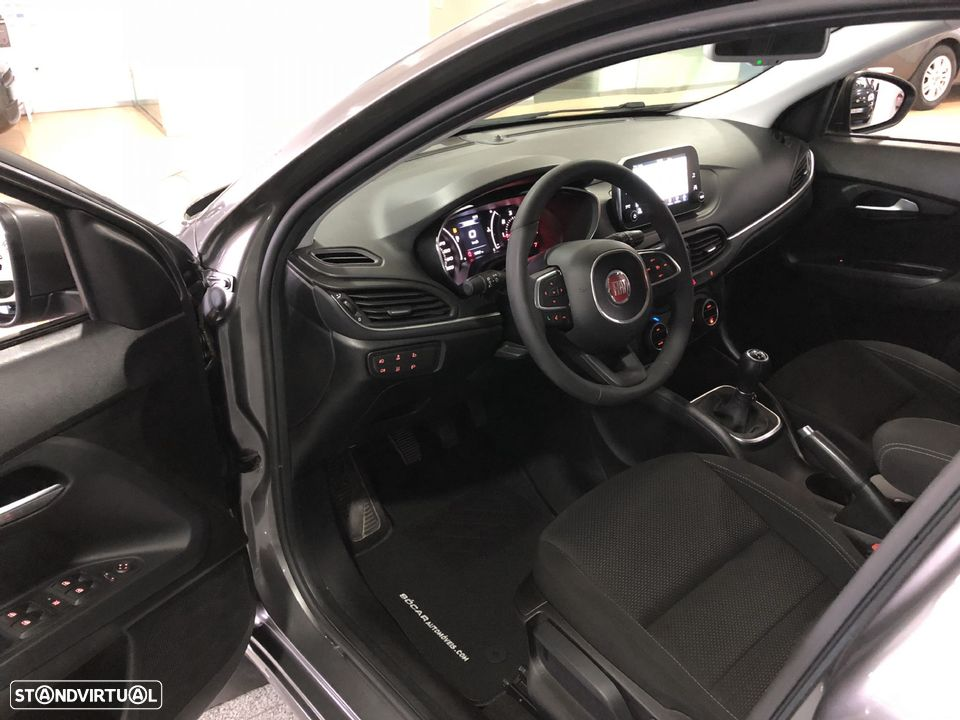 Fiat Tipo Station Wagon 1.3 MJ LOUNGE XENON LED GPS NACIONAL - 12