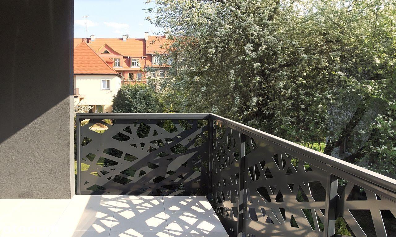 REZERWACJA - Pierwsze piętro z narożnym tarasem