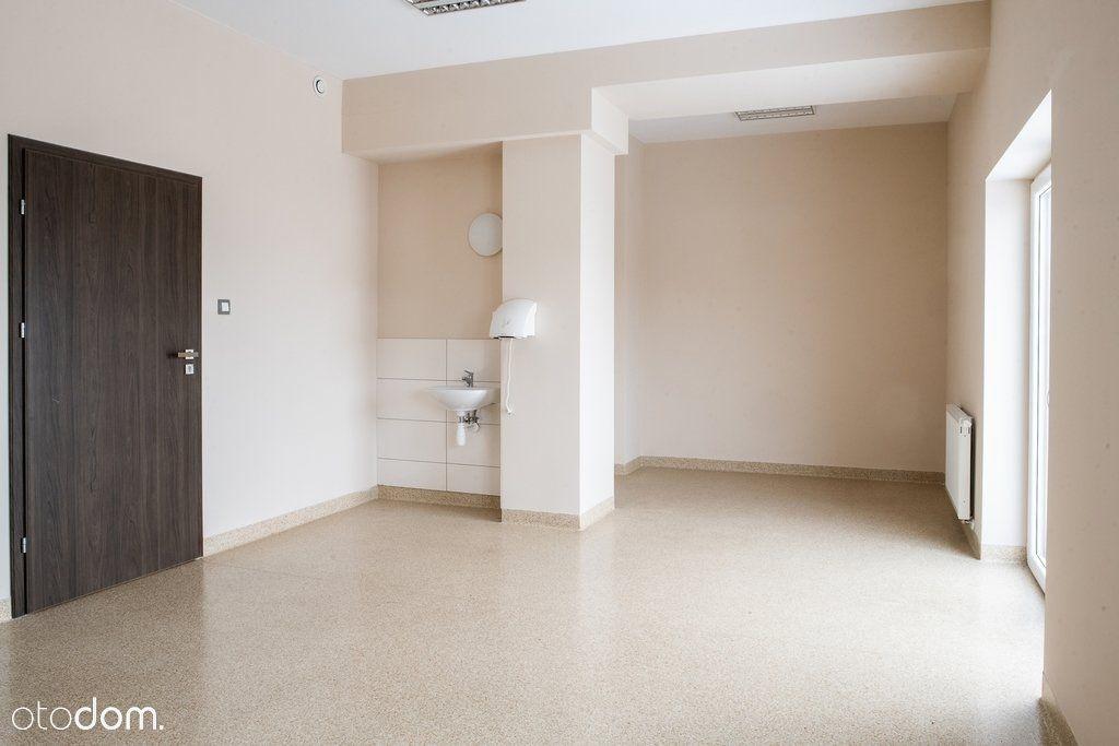 Kompaktowe biuro, gabinet