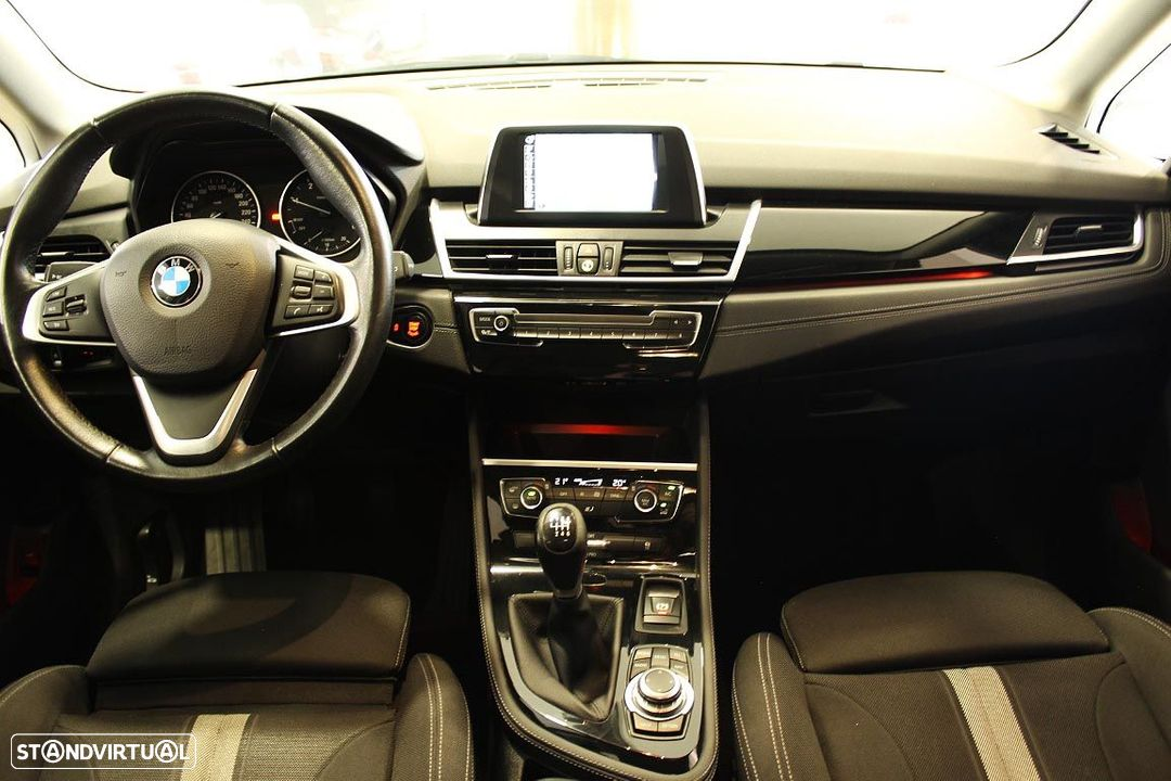 BMW 214 Active Tourer Sport Line 214 D 2015 - 2