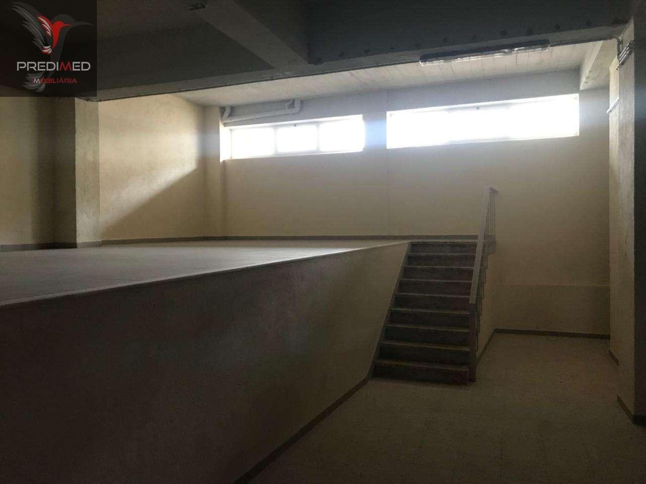 Armazém para arrendar, Rua Alto de São Lourenço - Bairro Alto de São Lourenço, Santa Iria de Azoia, São João da Talha e Bobadela - Foto 7