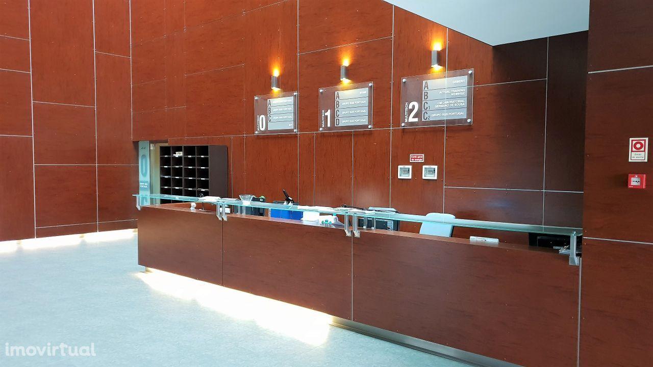 Arrendar Escritório Lisboa   547 m2   LISPOLIS   Multitech