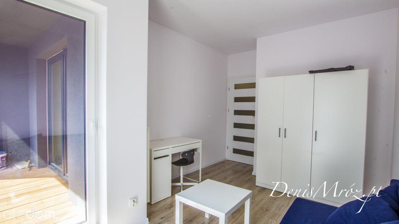 Rozkładowe trzy pokoje, kuchnia, łazienka +garaż