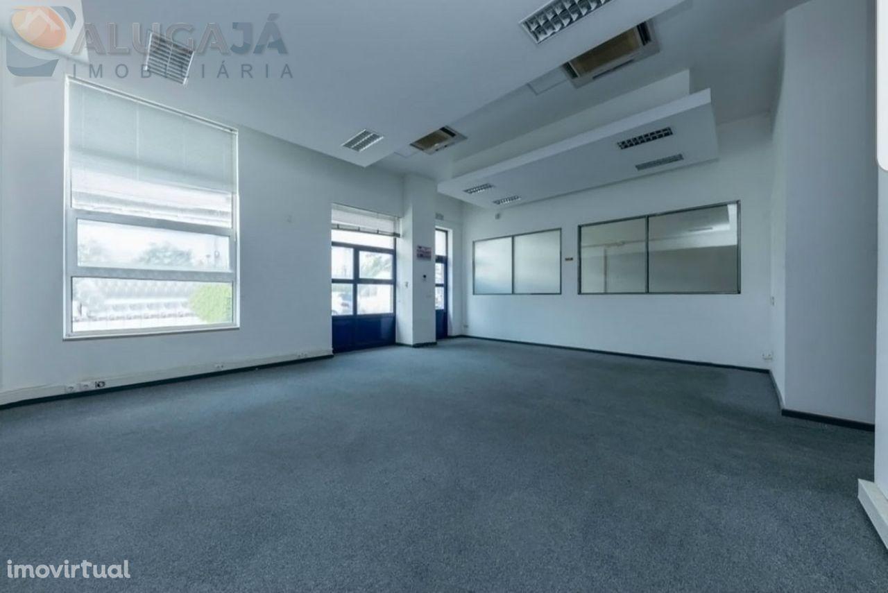 São Marcos/Centro Empresarial Elospark II - Armazém 3 pisos com 580m²